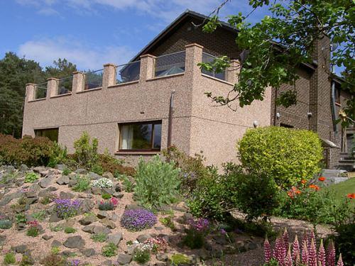 Little Pines Garden Apartment